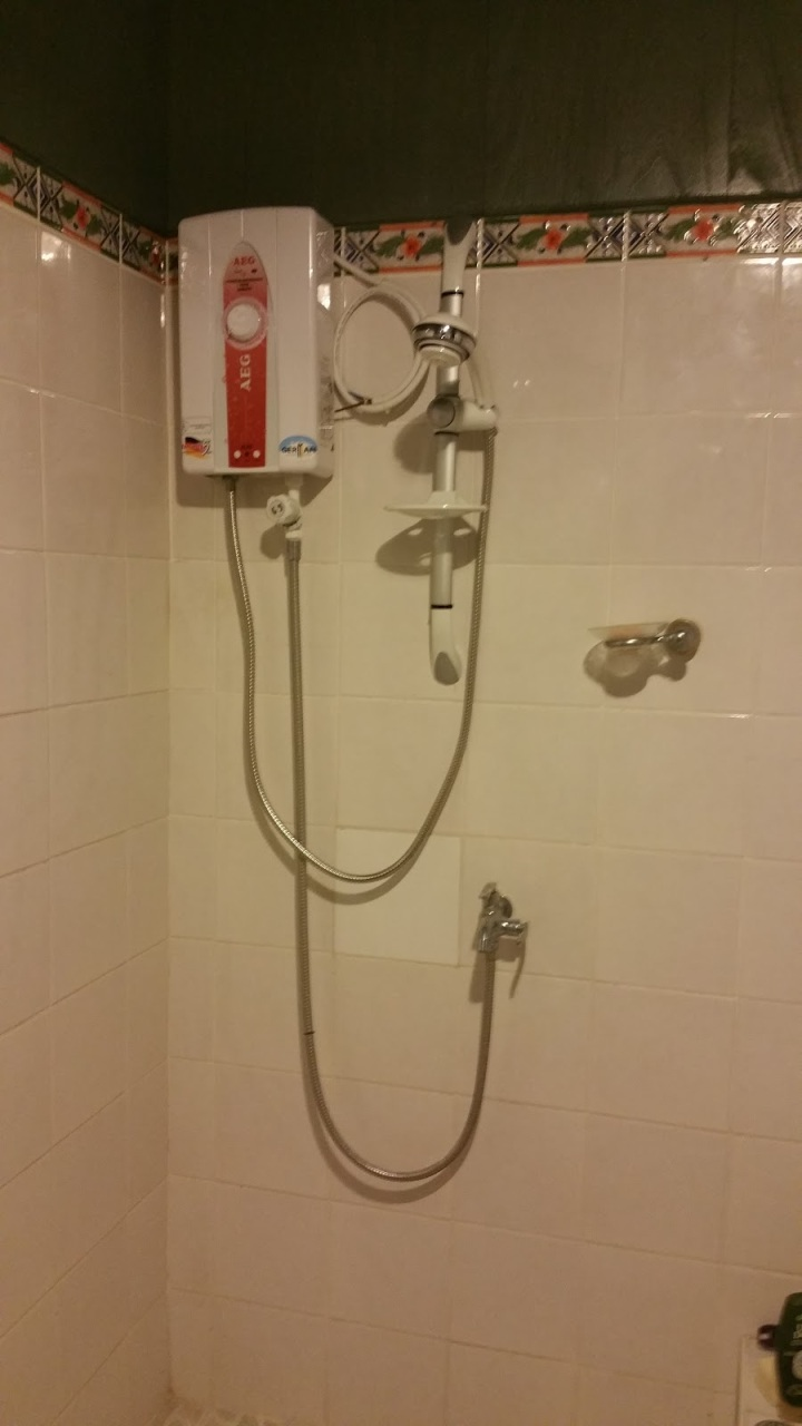shower hot water in all rooms